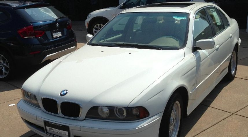 Main photo of Steven Michos's 2001 BMW 5 Series