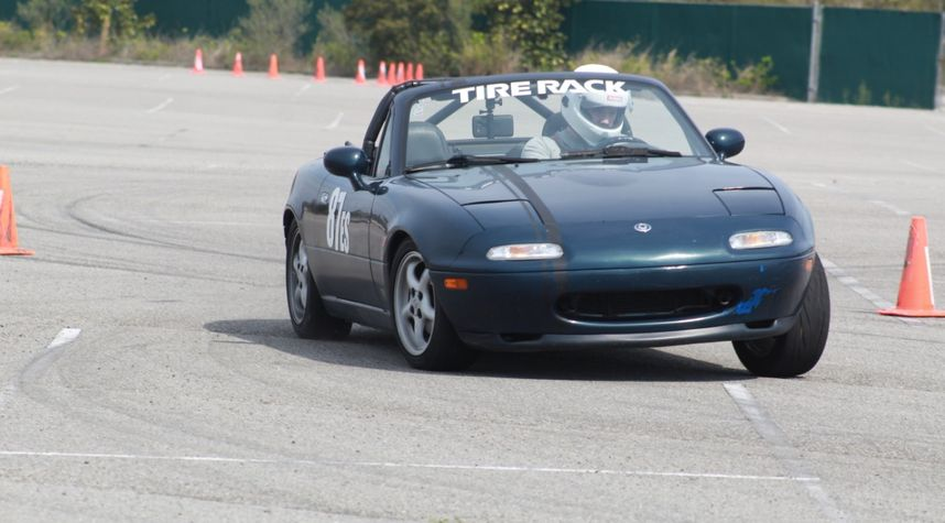Main photo of Harlan T. Williams's 1997 Mazda MX-5 Miata