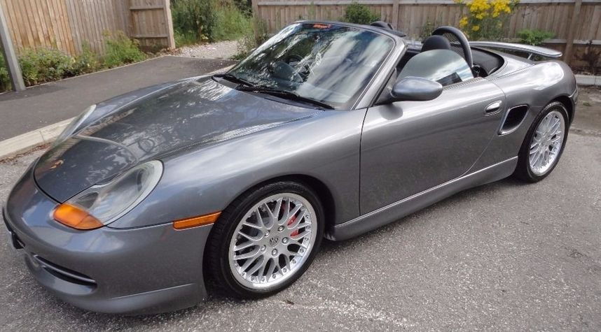 Main photo of Brian Berney's 2000 Porsche Boxster