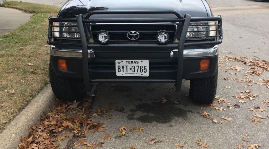 Main photo of Jonah Ott's 1998 Toyota Tacoma