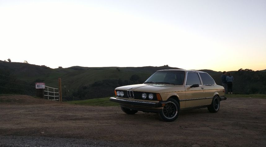 Main photo of Kendall Dunn's 1978 BMW 320