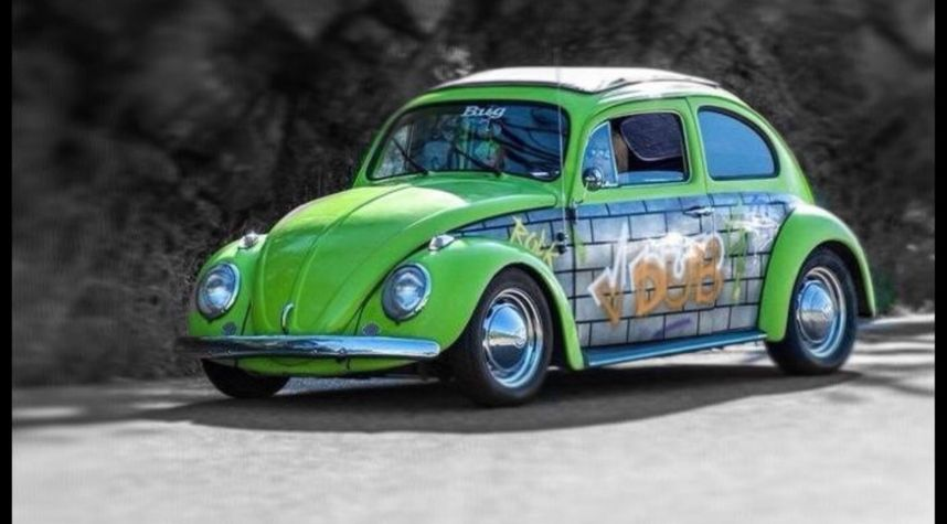 Main photo of Stevie Hearon's 1962 Volkswagen Beetle (Pre-1980)