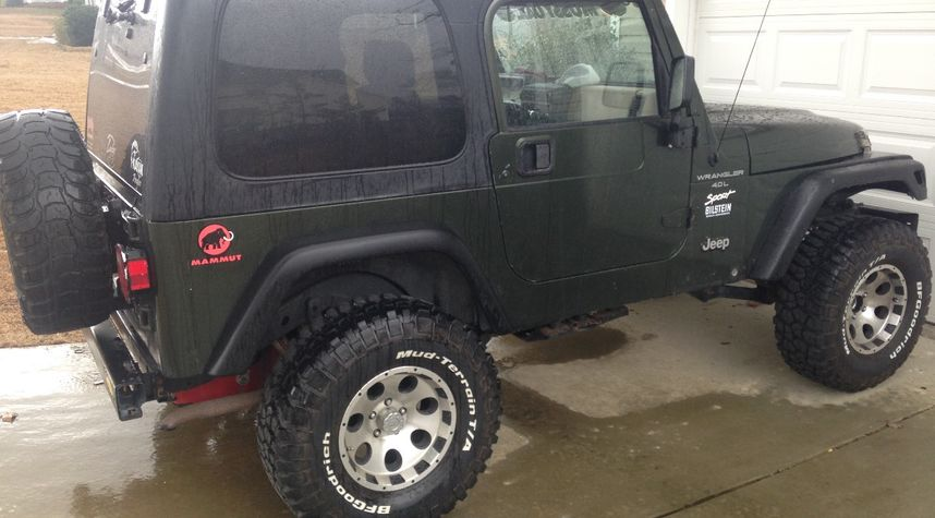 Main photo of Michael Crilly's 1998 Jeep Wrangler