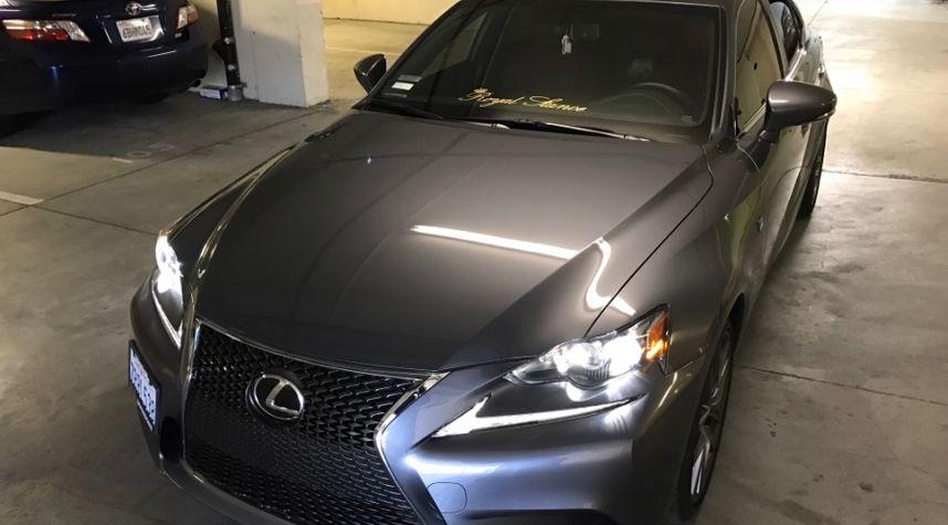 Main photo of Kittipong Diewwanich's 2015 Lexus IS_350