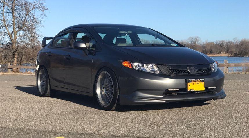 Main photo of Brandon Hernandez's 2012 Honda Civic