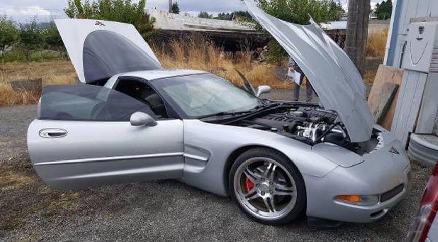Main photo of Kelsey Wise's 1998 Chevrolet Corvette