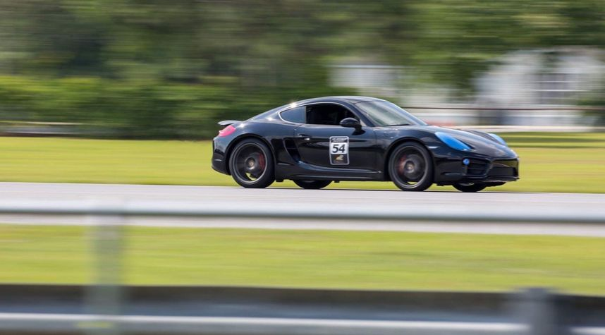 Main photo of Ryan Edison's 2015 Porsche Cayman