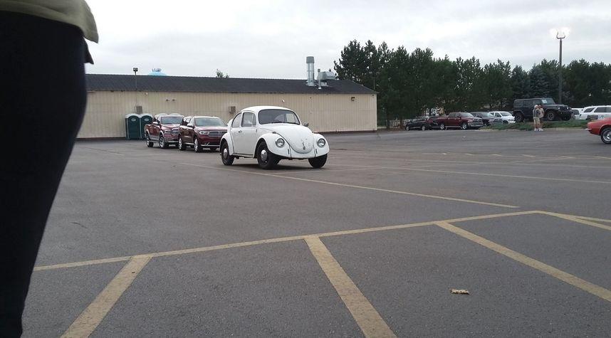 Main photo of Zach Tuttle's 1968 Volkswagen Beetle (Pre-1980)