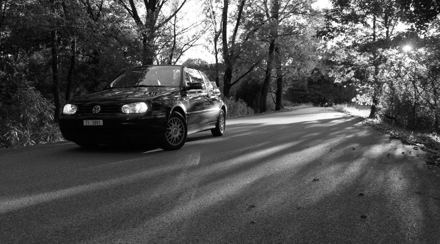 Main photo of Devis Bétrisey's 2000 Volkswagen Golf