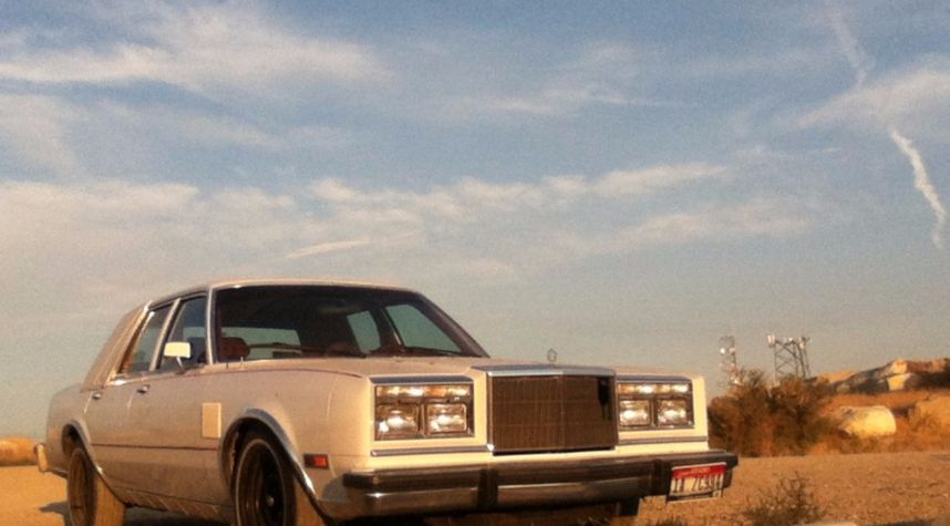 Main photo of Michael Cook's 1989 Chrysler Fifth Avenue