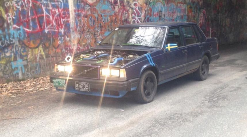 Main photo of Joseph  Renaud 's 1989 Volvo 740
