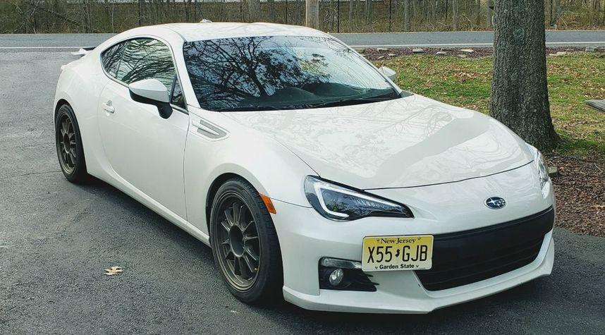 Main photo of Rob McAndrew's 2013 Subaru BRZ