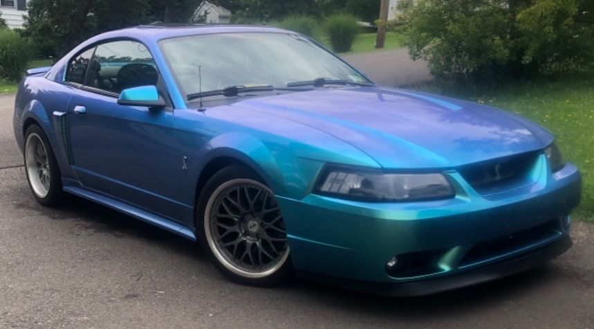 Main photo of Devante Wright's 2001 Ford Mustang
