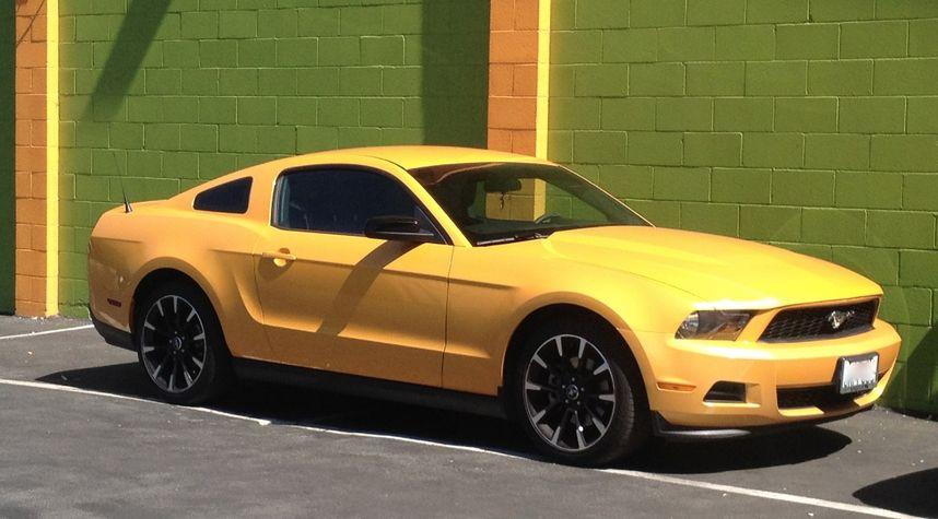 Main photo of Greg Shabanov's 2012 Ford Mustang