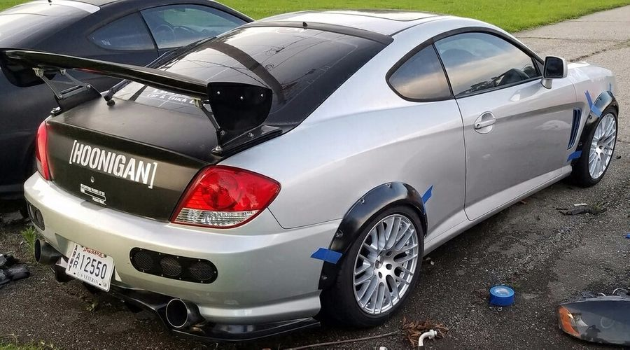 kris williams s 2004 hyundai tiburon on wheelwell kris williams s 2004 hyundai tiburon on