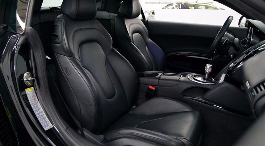 Main photo of Ethan Rosenberg's 2012 Audi R8