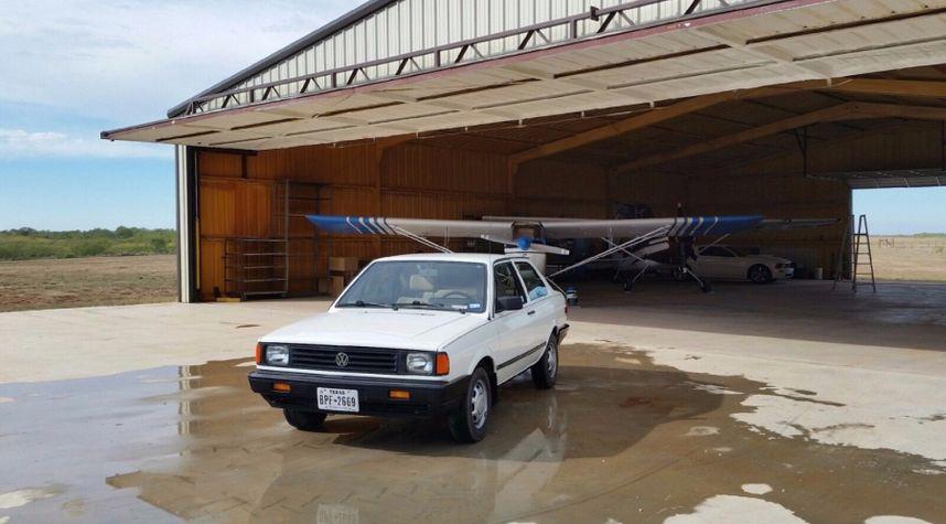 Main photo of Nathaniel Henderson's 1989 Volkswagen Fox