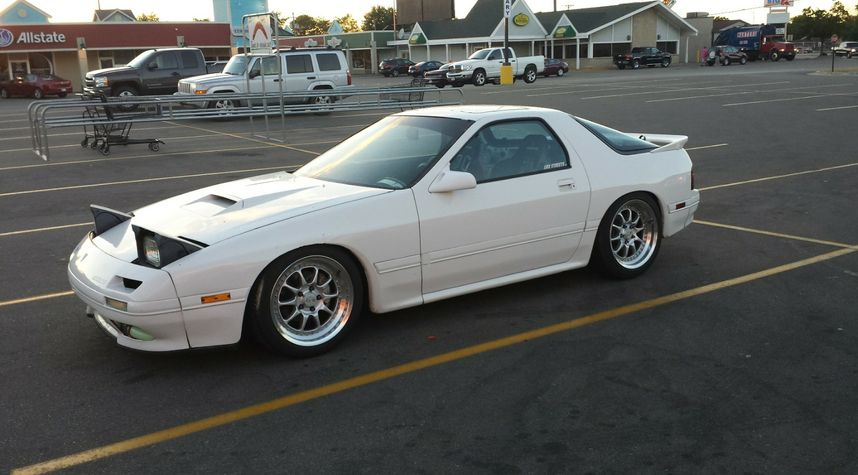Main photo of James Hartig's 1990 Mazda RX-7