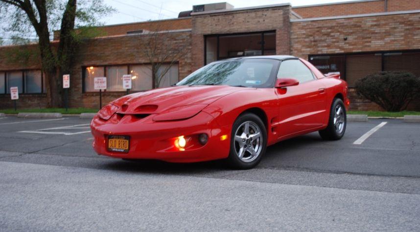 Main photo of Danny Pearson's 1998 Pontiac Firebird