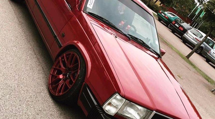 Main photo of Mattias Olsson's 1988 Volvo 740