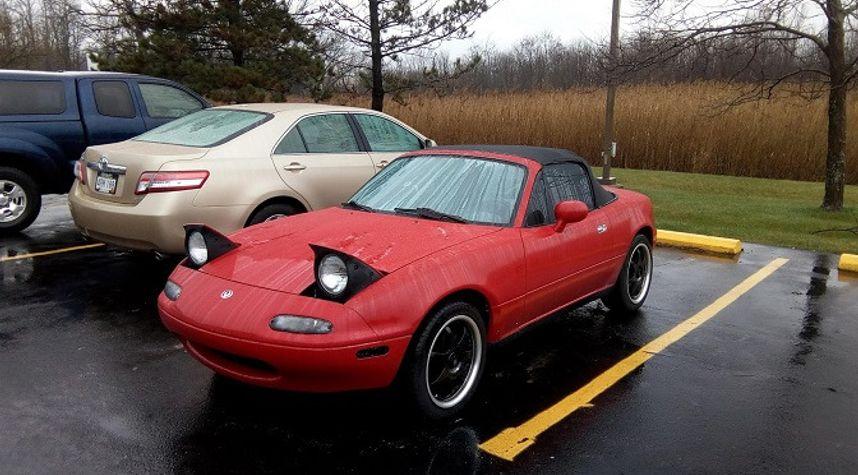 Main photo of Eric Vardin's 1995 Mazda MX-5 Miata
