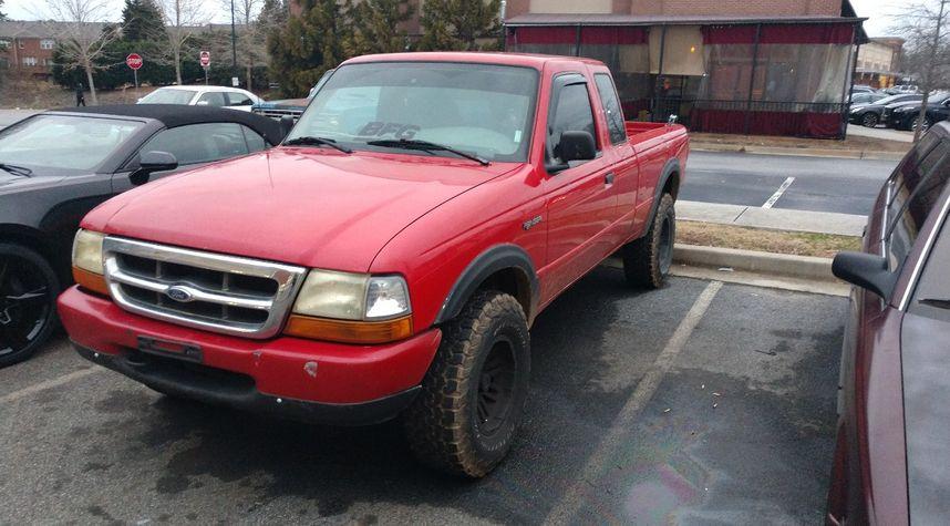 Main photo of John Doyle's 2000 Ford Ranger