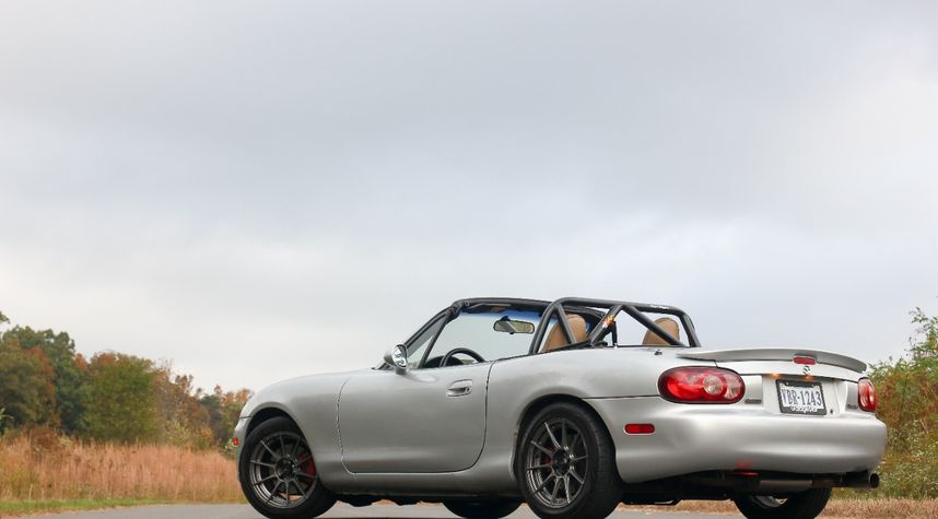 Main photo of Brian Nusbaum's 2001 Mazda MX-5 Miata