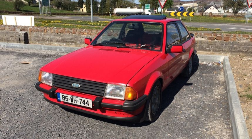 Main photo of Johnny Crowley's 1985 Ford Escort