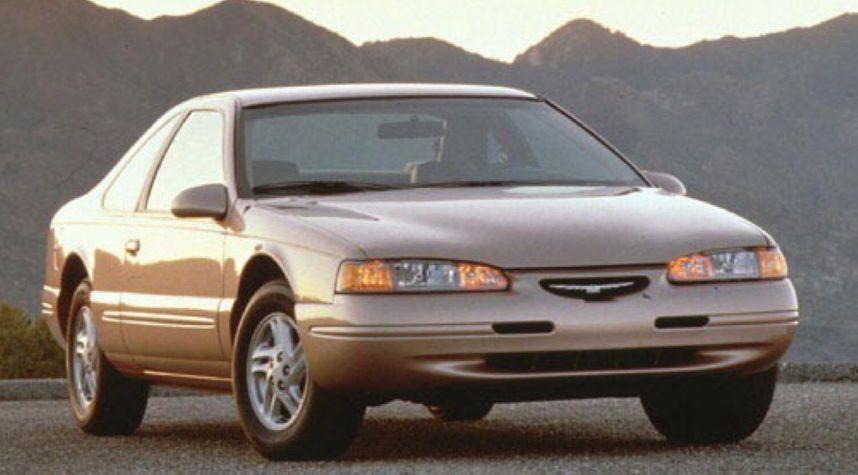 Main photo of Damion Johnson's 1997 Ford Thunderbird