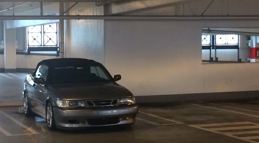 Main photo of James Nakatsu's 2001 Saab 9-3