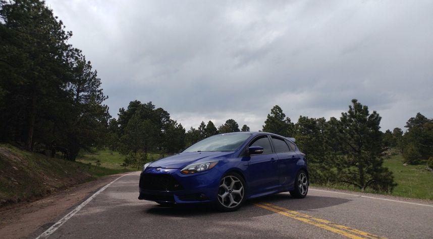 Main photo of Ethan DeShon's 2013 Ford Focus ST