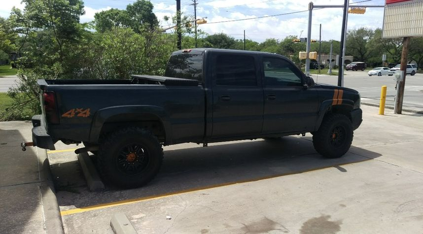 Main photo of Mykel Vasquez's 2003 Chevrolet Silverado 1500HD
