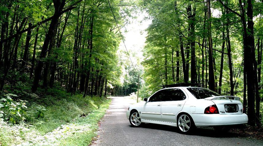 Main photo of Alejandro Amaya's 2004 Nissan Sentra