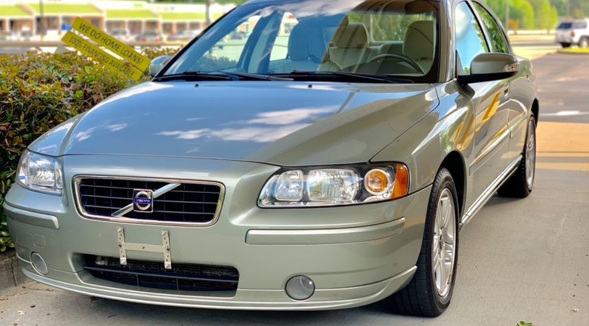Main photo of Scott Johnson's 2008 Volvo S60