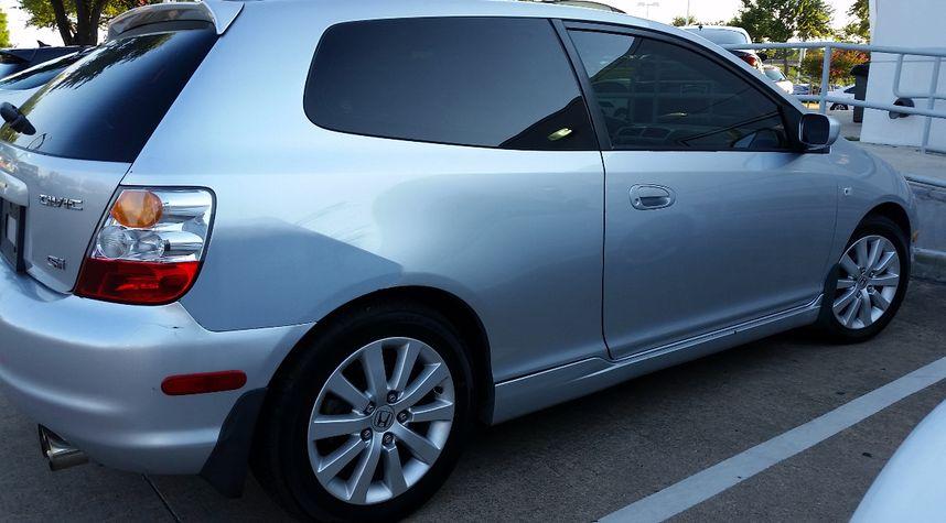 Main photo of Stephen Hines's 2005 Honda Civic