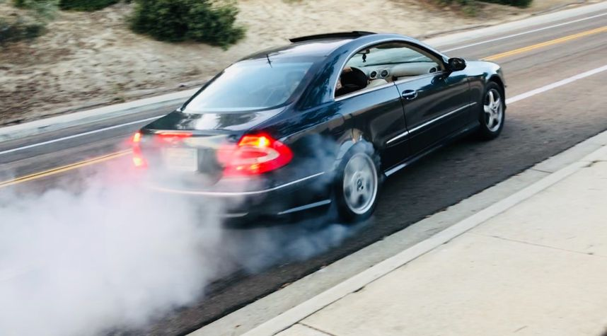 Main photo of Joshua Padgett's 2003 Mercedes-Benz CLK-Class