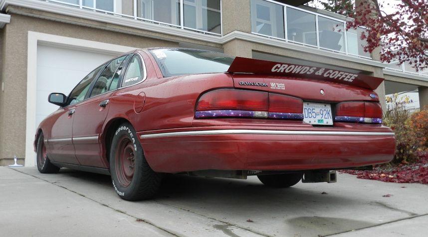 Main photo of Thomas Hundal's 1996 Ford Crown Victoria