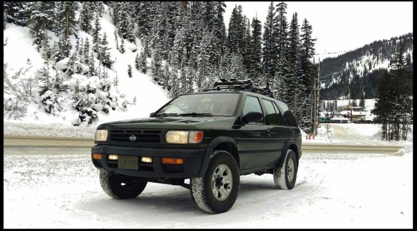 Main photo of Anthony Stamm's 1997 Nissan Pathfinder