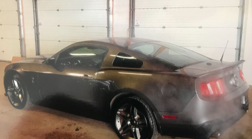 Main photo of Jim Pakeman's 2010 Ford Shelby GT500