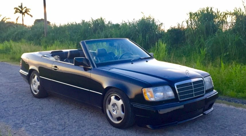 Main photo of Scott Chester's 1994 Mercedes-Benz E-Class