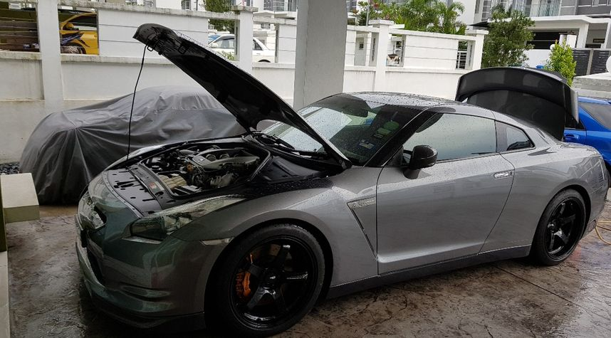 Main photo of Annuar Akil's 2009 Nissan GT-R
