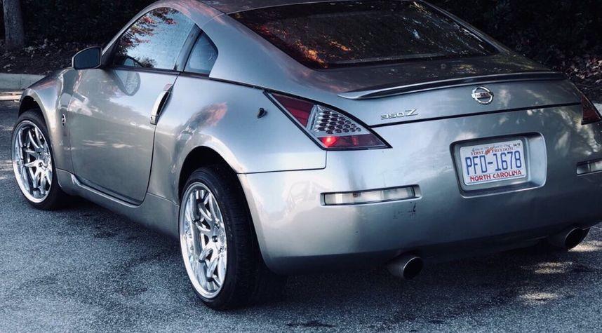 Main photo of Fahd Khdier's 2004 Nissan 350Z