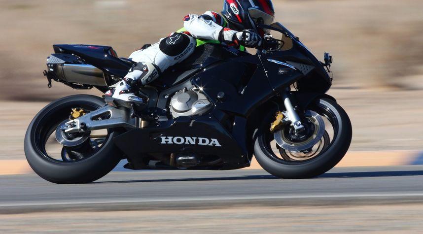 Main photo of Stephen Villagrasa's 2003 Honda CBR600RR