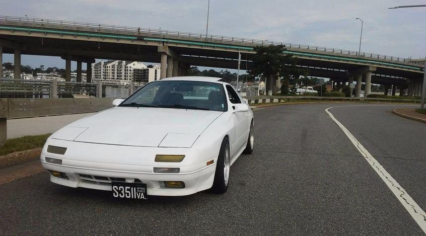 Main photo of Brandon Parker's 1991 Mazda RX-7