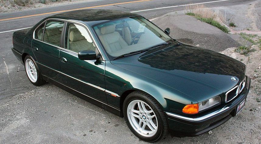 Main photo of Tristan Stamets's 2000 BMW 7 Series