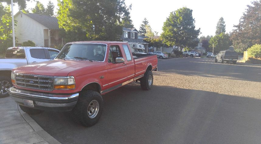Main photo of Sandy Ebsen's 1993 Ford F150