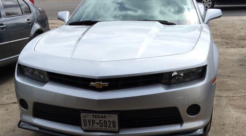Main photo of Hector Munoz's 2014 Chevy camaro