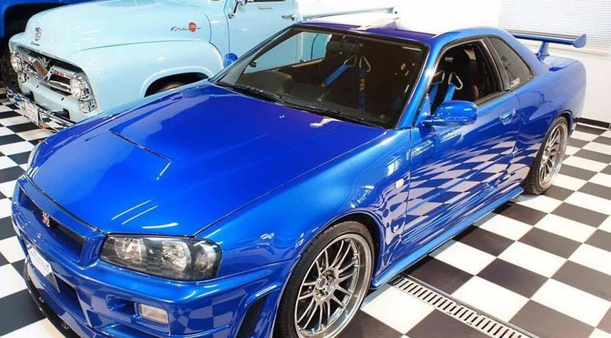 Main photo of Eric Voigt's 1999 Nissan Skyline