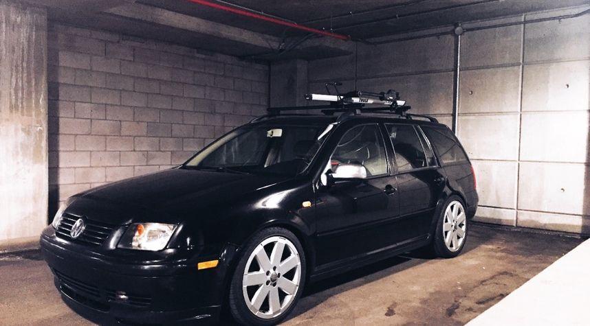 Main photo of Olivier Rufiange's 2003 Volkswagen Jetta