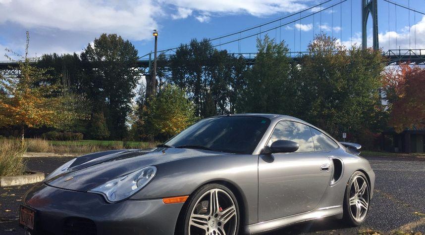 Main photo of Ryan Donahue's 2001 Porsche 911